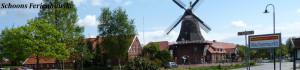 Blick vom Marktplatz auf die Windmühle, Zentrum von Ostgroßefehn